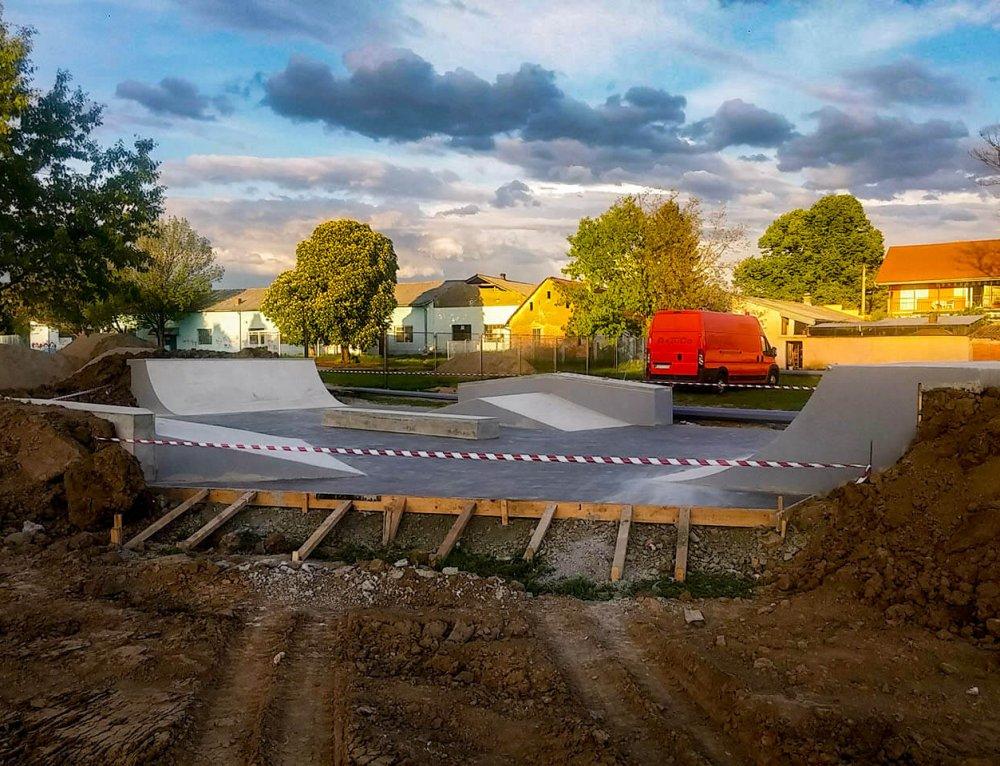Skate park Nova Gradiška